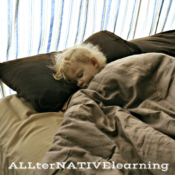 Toddler sharing adult bed | ALLterNATIVElearning