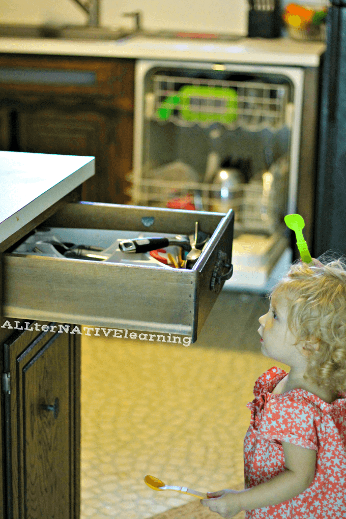 How toddlers can help with chores and the dishes | ALLterNATIVElearning.com #cbias #shop