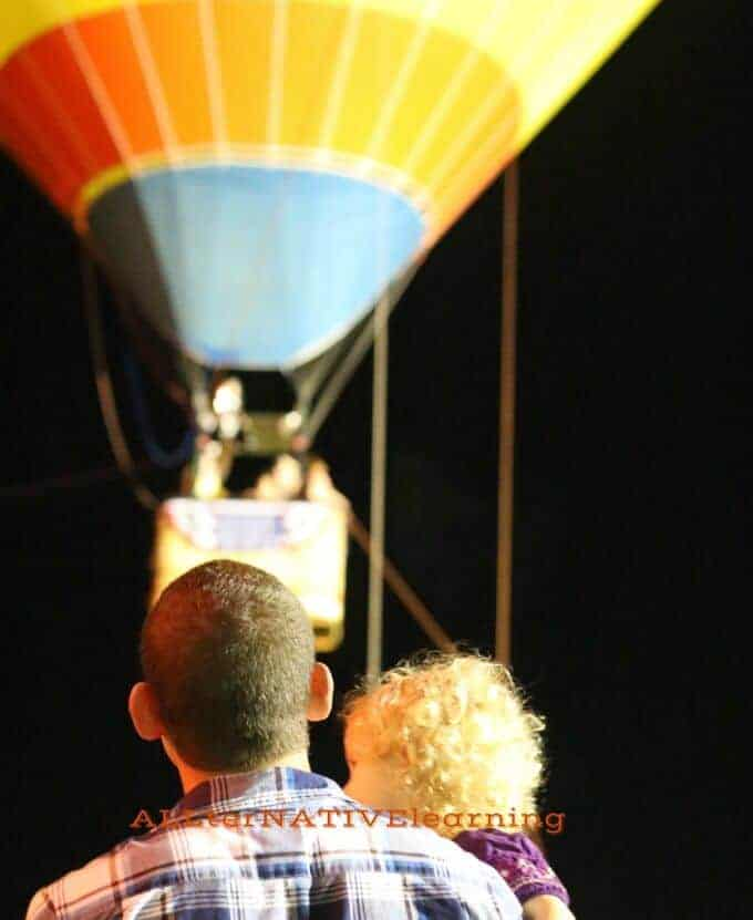 Situational coaching for visual sensory stimulation at hot air balloon festival | ALLterNATIVElearning