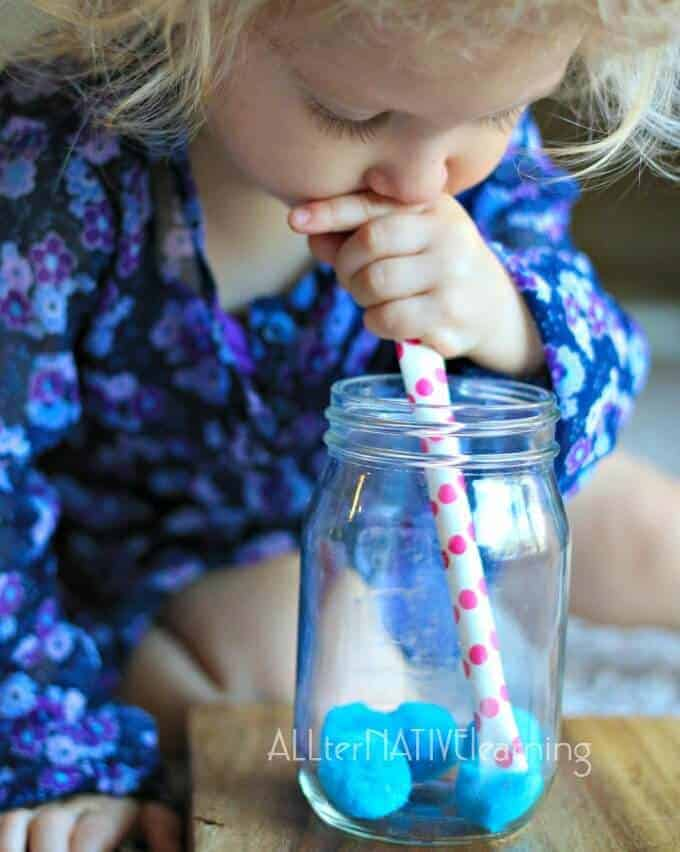 Playign with straws to understand suction. Straw Transfer game for #preschool and #totschool | ALLterNATIVElearning