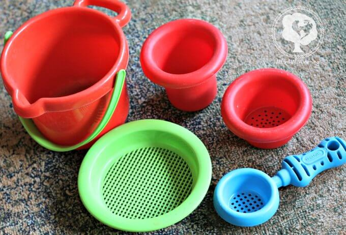 outdoor play toys that encourage play