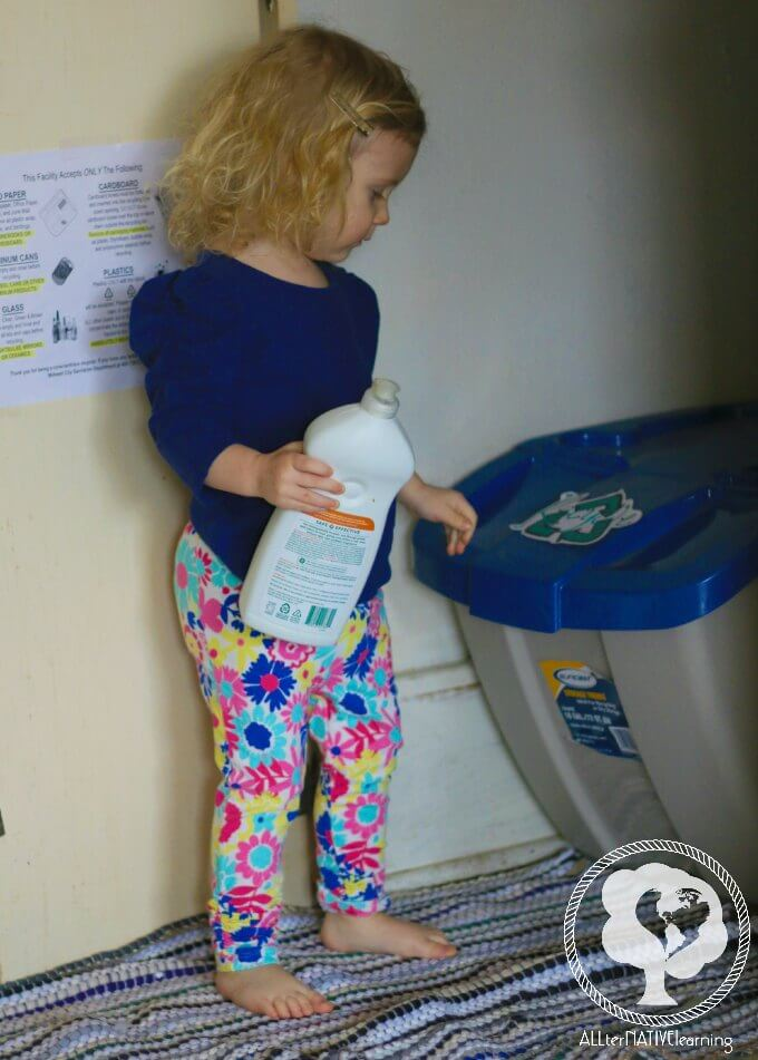 How to teach toddlers to recycle - being an eco-conscious family