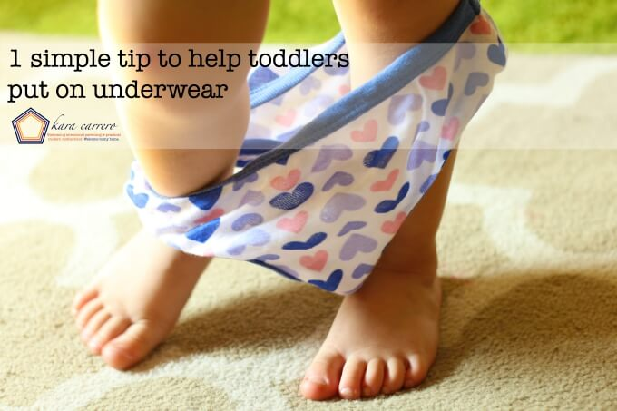 Helping toddlers put on and wear underwear themselves