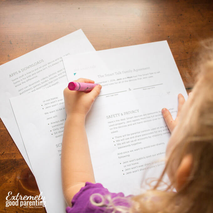 How & why create a screen time contract for young kids