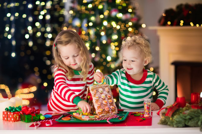 7 meaningful & memorable Christmas traditions leading up to the 25th