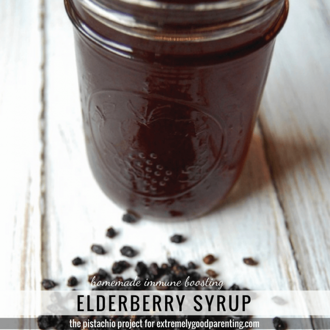 Directions to make elderberry natural remedy. Discover its benefits and learn how to use and take it!