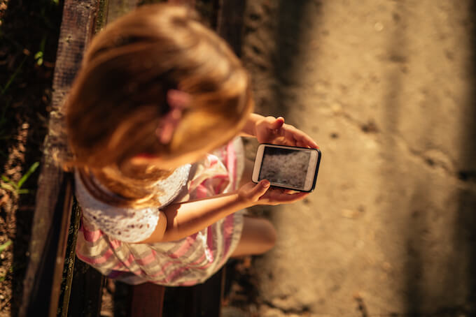 5 little precautions are all you need to know your child is safe on a cell phone