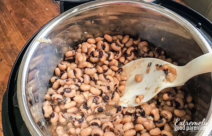 No-soak Instant Pot Black Eyed Peas for good health in the new year