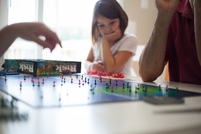 Here are the 7 reasons every family should start a game night right now