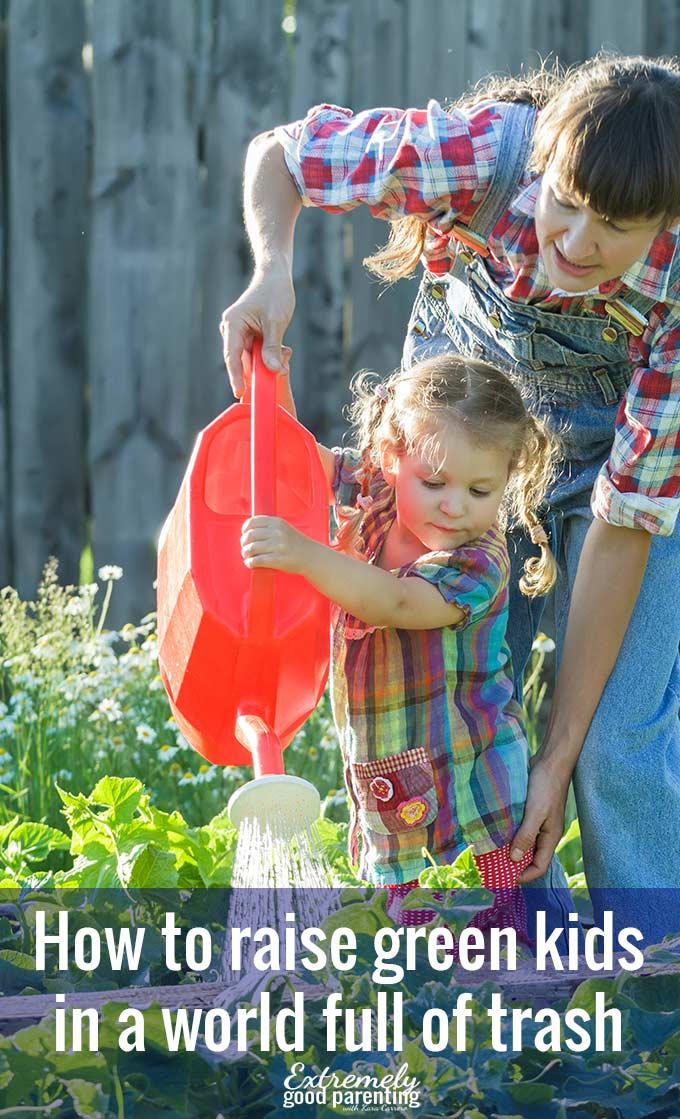 How to #gogreen as a family and teach your kids about #earthmonth and #lowimpact, #sustainableliving.