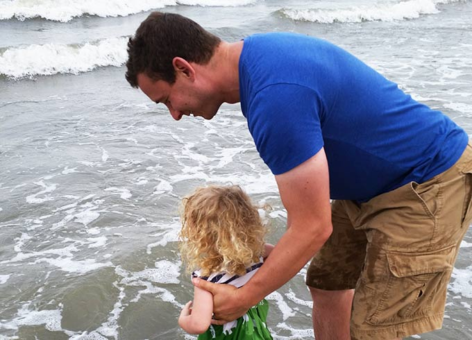 Here are the 10 easiest ways for dads to crush the fear of missing out